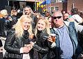 Koningsdag 2015 met veel vrolijke mensen.jpg