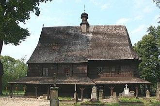 Wooden churches of Southern Lesser Poland - Image: Kosciol sw. Leonarda w Lipnicy Murowanej 13.08.08 p