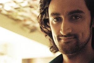 English: A photo of the bollywood actor Kunal ...