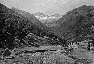 La Vallée du Lys - A book of the Pyrenees.jpg