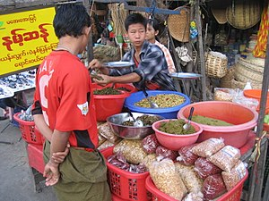 Lahpet - Market stall in Mandalay selling lahpet from Namhsan