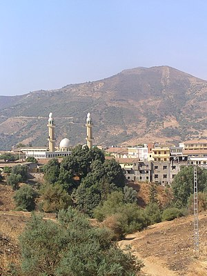Lakhdaria - Minarets in the city