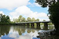 Lamington Bridge, from NE (2009).jpg
