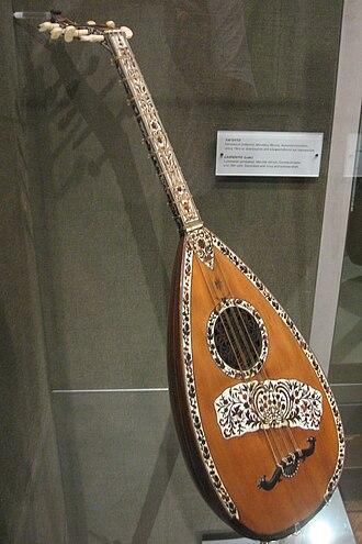 Lavta - Image: Lavta (Museum of Greek Folk Instruments in Athens)
