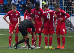 2016–17 Leicester City F.C. season - Leicester City wall defending a Chelsea free-kick, 2016