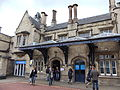 Lincoln railway station frontage, England - DSCF1321.JPG