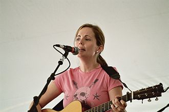Lori McKenna - Image: Lori Mc Kenna New Bedford Summerfest 2006