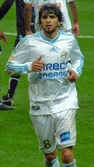 Lucho González - González playing with Marseille in 2010