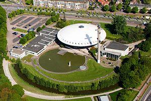 Evoluon - Image: Luchtfoto Randweg Eindhoven, Strijp crop