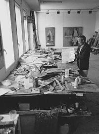 Lucio Muñoz en su estudio.jpg