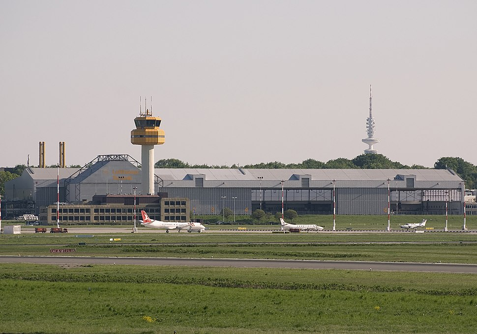Lufthansa Technik facility at Hamburg Airport in June 2008 (3353120734).jpg