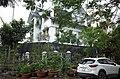 Một căn biệt thự có nhiều cây cảnh trong khu biệt thự cao cấp Đỉnh Long, thành phố Hải Dương, tỉnh Hải Dương.jpg