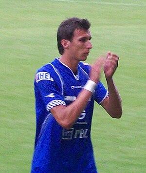 Mario Mandžukić - Mandžukić playing for Dinamo Zagreb in July 2008