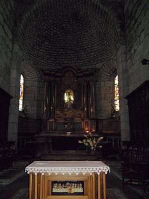 Mauriac, Cantal - Image: Mauriac ND des Miracles interior 01
