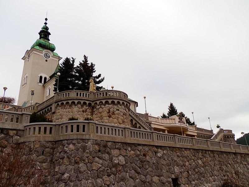 File:Mauzoléum - panoramio.jpg