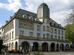Menden-Rathaus4-Asio.JPG
