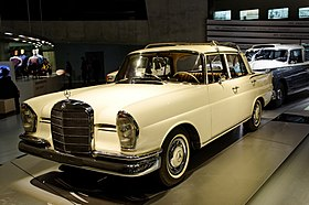 Mercedes-Benz-Museum 2015-01 by-RaBoe 155.jpg