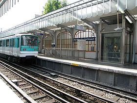 Image illustrative de l'article Barbès - Rochechouart (métro de Paris)