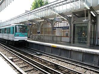 Paris Métro Line 2 - Image: Metro Paris Ligne 2 station