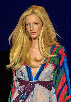 Milagros Schmoll - Schmoll at the Custo Barcelona Spring 2009 fashion show