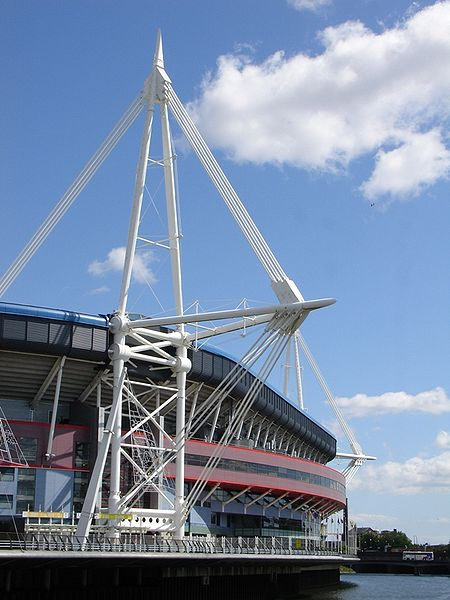चित्र:Millennium Stadium North.jpg