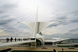 Milwaukee Art Museum, Burke brise soleil above...