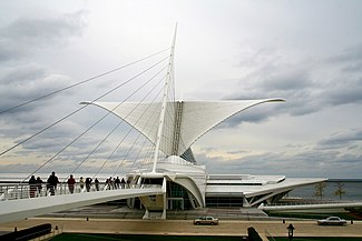 Milwaukee Art Museum 1 (Mulad).jpg