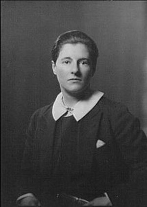 Joe Carstairs - Arnold Genthe (1869-1942)/LOC agc.7a11495. Miss Marion Carstairs, 1928 or 1929