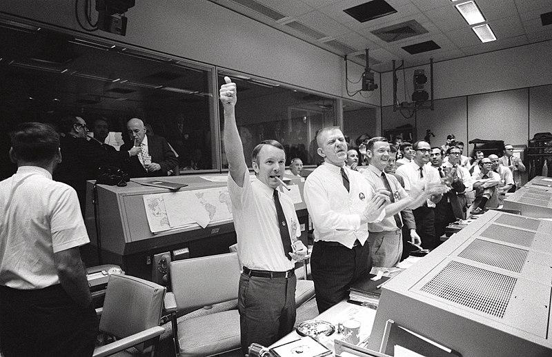 Mission Control Celebrates - GPN-2000-001313.jpg