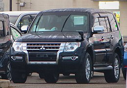 Mitsubishi V98 Pajero Long Body Super Exceed 3200 DI-D 0731.JPG