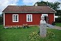 Moberg staty, Moshultamåla gamla skola.jpg