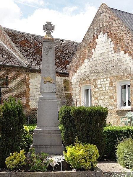 Montigny-sur-Crécy (Aisne) monument aux morts