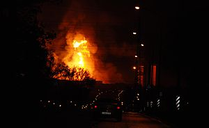 Moscow gas fire 2009.JPG