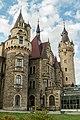 Moszna - widok na wieżę pałacu.jpg