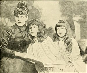 Nellie Grant - Mrs Nellie Grant and her daughters 1895