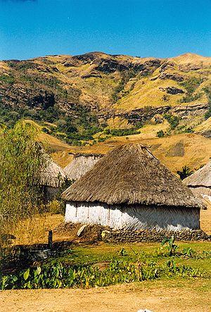 Navala village, Viti Levu, Fiji. עברית: כפר נב...