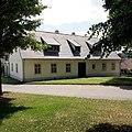 Neustupov - stará škola i pošta (6-2012) - panoramio (1).jpg