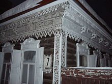 Novosibirsk picturesque-traditional-house.JPG