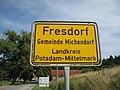 Ortseingang Fresdorf - panoramio.jpg