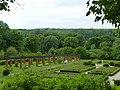 Ostromecko -pałac dolny taras parku z fotanną - panoramio.jpg