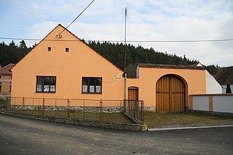 Bačkovice - Image: Overview of cultural monument house no. 7 in Bačkovice, Třebíč District