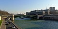 P1080167 Paris IV pont Notre-Dame rwk.jpg