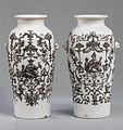 Pair of vases MET ES1500.jpg