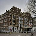 Pakhuis met trapeziumvormige voorgevel, en een fronton met het wapen van de Westindische Compagnie - Amsterdam - 20408980 - RCE.jpg