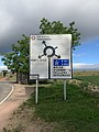Panneau Directions Rond-point Route Villeneuve Crottet 2.jpg