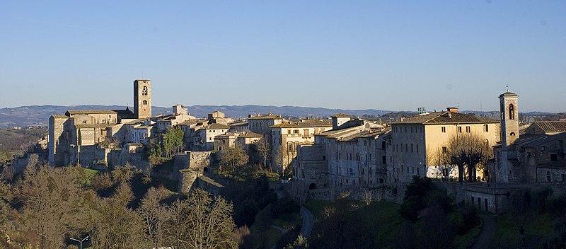 File:Panorama collevaldelsa1.jpg