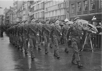 3rd Parachute Battalion (Belgium) - Soldiers from the 3rd Parachute Battalion parade in Kortrijk, 1971.