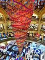 Paris Galeries Lafayette Weihnachtsbaum verkehrt.JPG