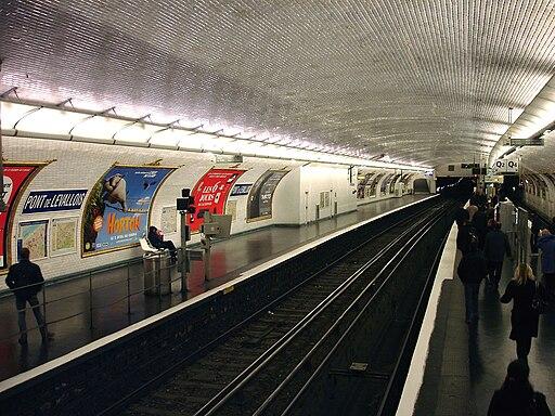 Paris Metro - Ligne 3 - Pont de Levallois - Becon 02