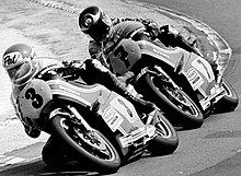 Pat Hennen and Barry Sheene.jpg